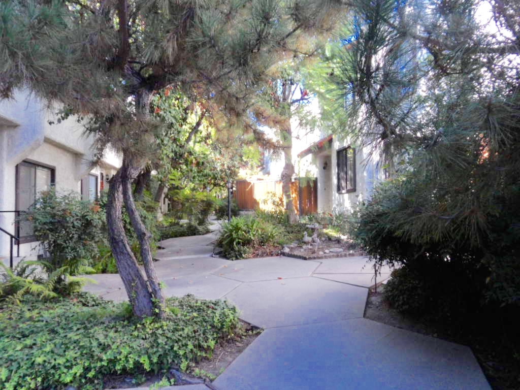 3200 Fairesta St. Unit 13, La Crescenta, CA 91214  SOLD!